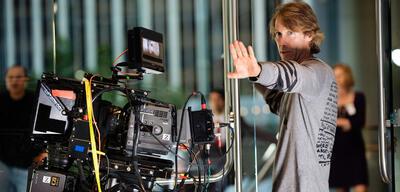 Michael Bay am Set von Transformers: Die dunkle Seite des Mondes