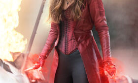 The First Avenger: Civil War mit Elizabeth Olsen - Bild 29