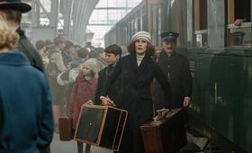 Als Hitler das rosa Kaninchen stahl mit Carla Juri, Marinus Hohmann und Riva Krymalowski - Bild 3