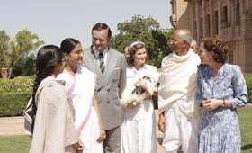 Der Stern von Indien mit Gillian Anderson, Hugh Bonneville und Lily Travers - Bild 6
