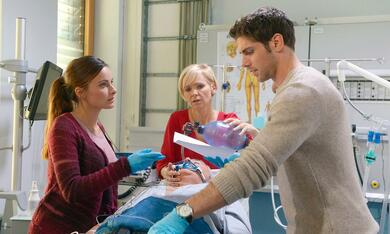 In aller Freundschaft - Die jungen Ärzte mit Paula Schramm und Roy Peter Link - Bild 5