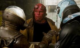Hellboy II - Die goldene Armee mit Ron Perlman, Seth MacFarlane und Doug Jones - Bild 8