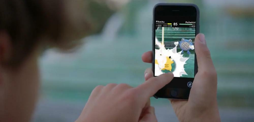 Pokémon GO-Spieler kracht mit dem Auto in eine Schule