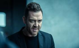 Dark Crimes mit Marton Csokas - Bild 3