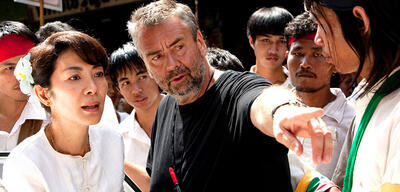 Luc Besson am Set von The Lady