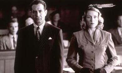 The Man Who Wasn't There mit Frances McDormand und Tony Shalhoub - Bild 9