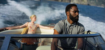 Tenet mit Elizabeth Debicki und John David Washington