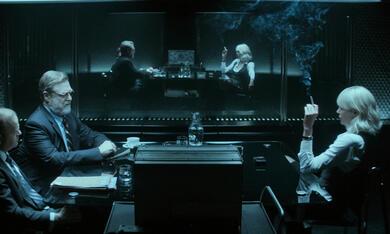Atomic Blonde mit Charlize Theron, John Goodman und Toby Jones - Bild 5