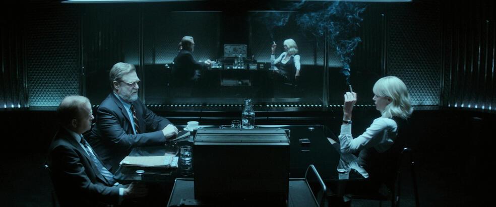 Atomic Blonde mit Charlize Theron, John Goodman und Toby Jones