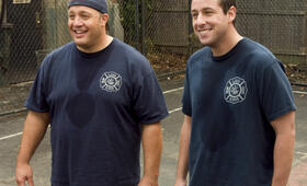 Chuck und Larry - Wie Feuer und Flamme mit Kevin James und Adam Sandler - Bild 99