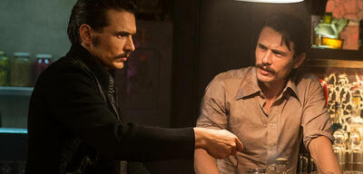 James Franco und James Franco in The Deuce