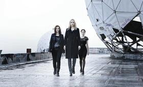 Wir sind die Nacht mit Karoline Herfurth, Nina Hoss und Jennifer Ulrich - Bild 2