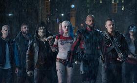 Suicide Squad mit Will Smith, Margot Robbie, Joel Kinnaman, Adewale Akinnuoye-Agbaje, Jai Courtney, Jay Hernandez und Karen Fukuhara - Bild 89