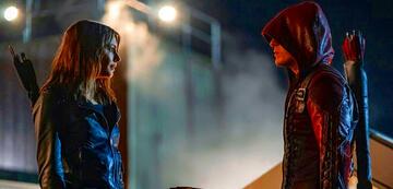 Thea und Roy wieder vereint im Arrow-Finale