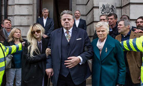 National Treasure, National Treasure Staffel 1 mit Robbie Coltrane, Andrea Riseborough und Julie Walters - Bild 39