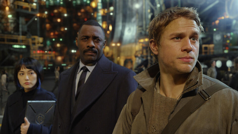 Pacific Rim mit Idris Elba und Charlie Hunnam
