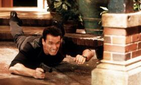 Eraser mit Arnold Schwarzenegger - Bild 12