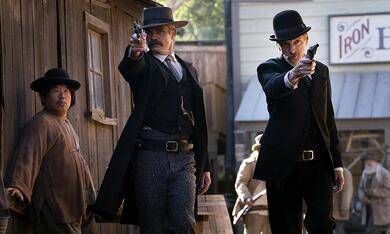 Deadwood mit Timothy Olyphant und John Hawkes - Bild 1