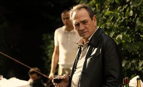 Malavita - The Family mit Robert De Niro und Tommy Lee Jones - Bild 166
