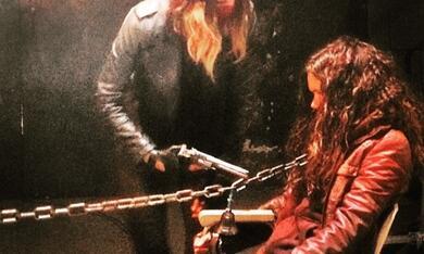 Demon Girl - Das Böse lebt in ihr mit Sharni Vinson und Carlyn Burchell - Bild 4
