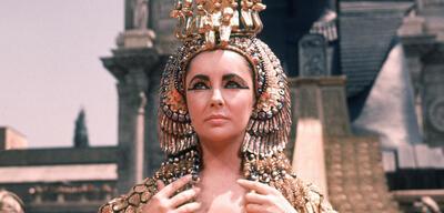 Elizabeth Taylor als Cleopatra