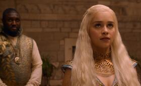 Game of Thrones - Staffel 2 mit Emilia Clarke und Nonso Anozie - Bild 71