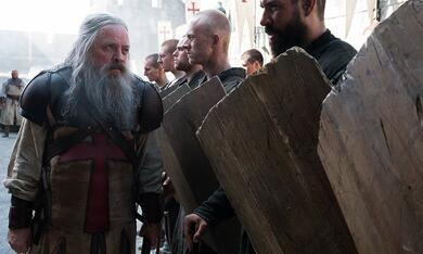Knightfall - Staffel 2 mit Mark Hamill - Bild 3