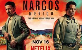 Narcos - Staffel 4, Narcos: Mexico, Narcos: Mexico - Staffel 1 mit Michael Peña und Diego Luna - Bild 6