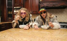 Idiotsitter, Idiotsitter Staffel 1 mit Jillian Bell und Charlotte Newhouse - Bild 24