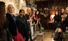 Ocean's 8  mit Helena Bonham Carter, Anne Hathaway, Cate Blanchett, Sandra Bullock, Sarah Paulson, Rihanna, Mindy Kaling und Awkwafina - Bild 9