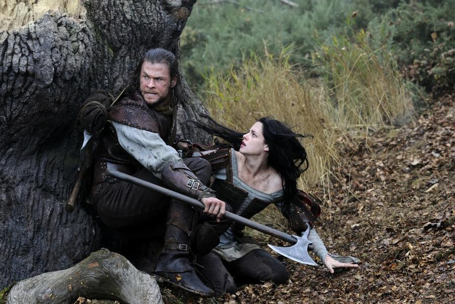 Snow White and the Huntsman mit Kristen Stewart und Chris Hemsworth