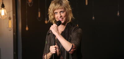 Maria Bamford bei The Meltdown with Jonah and Kumail
