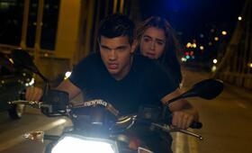 Atemlos - Gefährliche Wahrheit mit Taylor Lautner und Lily Collins - Bild 14