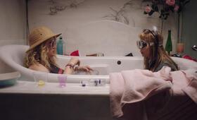 Idiotsitter, Idiotsitter Staffel 1 mit Jillian Bell und Charlotte Newhouse - Bild 26