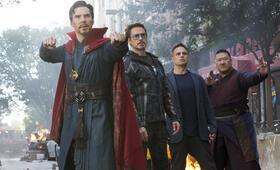 Avengers 3: Infinity War mit Robert Downey Jr., Benedict Cumberbatch, Mark Ruffalo und Benedict Wong - Bild 42