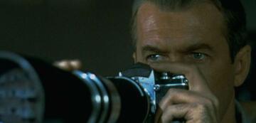 Beobachtet auch gerne: James Stewart in Das Fenster zum Hof