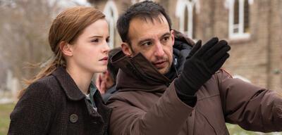 Regisseur Alejandro Amenábar & Emma Watson