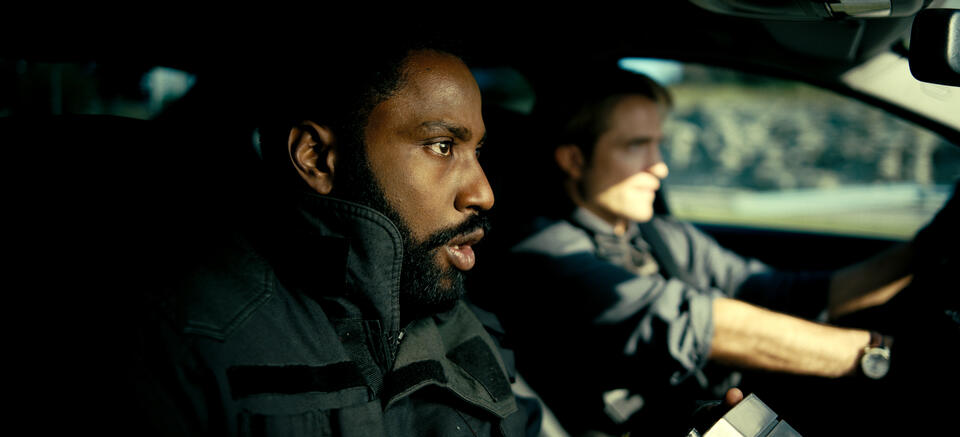 Tenet mit Robert Pattinson und John David Washington