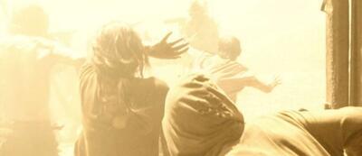 In dem Thriller Hell wird die Sonne zum Feind des Menschen