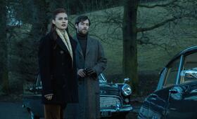 Outlander, Staffel 2 mit Richard Rankin und Sophie Skelton - Bild 8