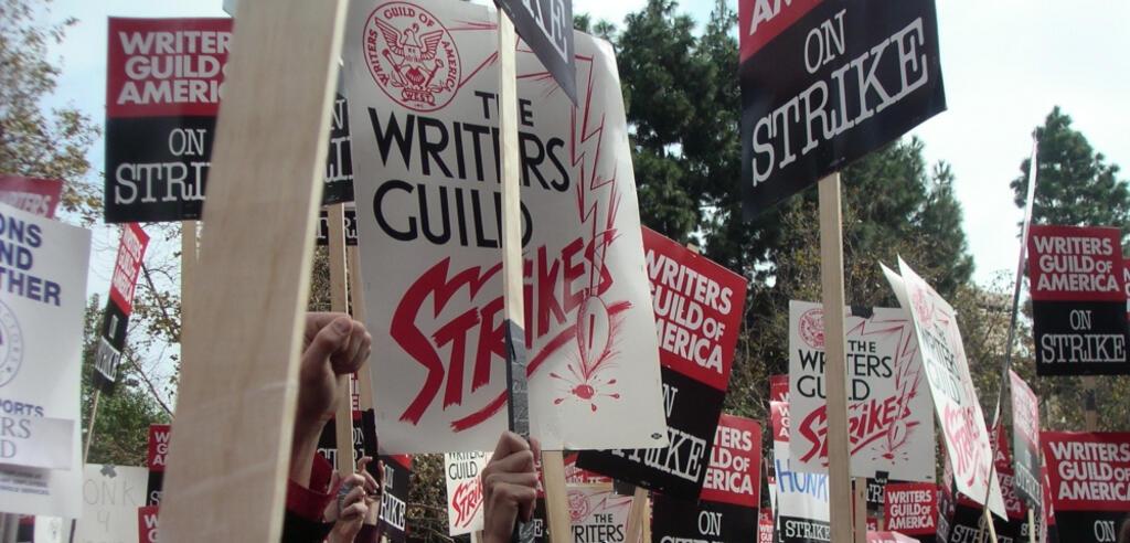 Autoren protestieren bei einer Demonstration der WGA im November 2007