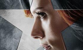 The First Avenger: Civil War mit Scarlett Johansson - Bild 193