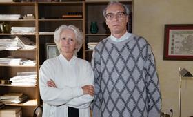 Willkommen bei den Honeckers mit Martin Brambach und Johanna Gastdorf - Bild 37