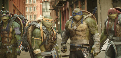 Vier mutierte Riesenschildkröten in Teenage Mutant Ninja Turtles 2