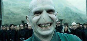 Eine Gruppe von Filmemachern steckt ihre Nase in die Vergangenheit von Voldemort