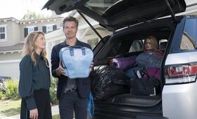 Santa Clarita Diet - Staffel 2 mit Drew Barrymore und Timothy Olyphant - Bild 18