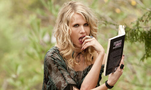 Cottage Country mit Lucy Punch