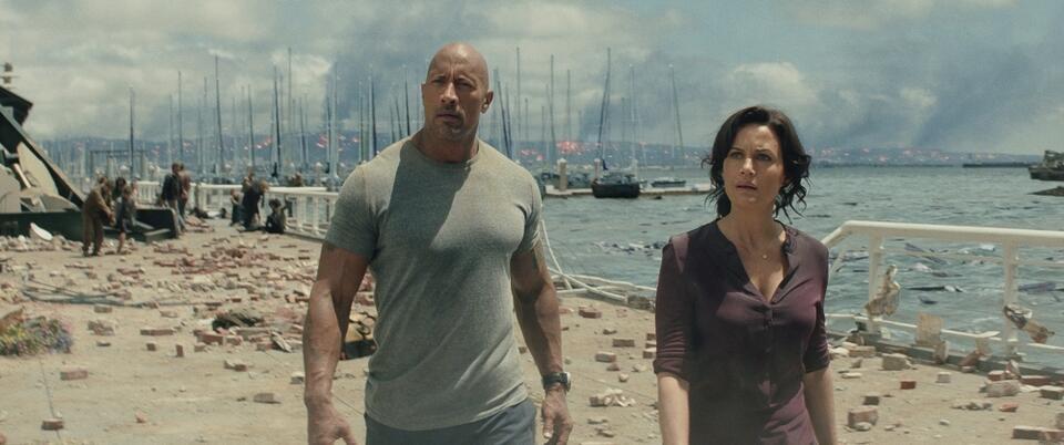 San Andreas mit Dwayne Johnson und Carla Gugino