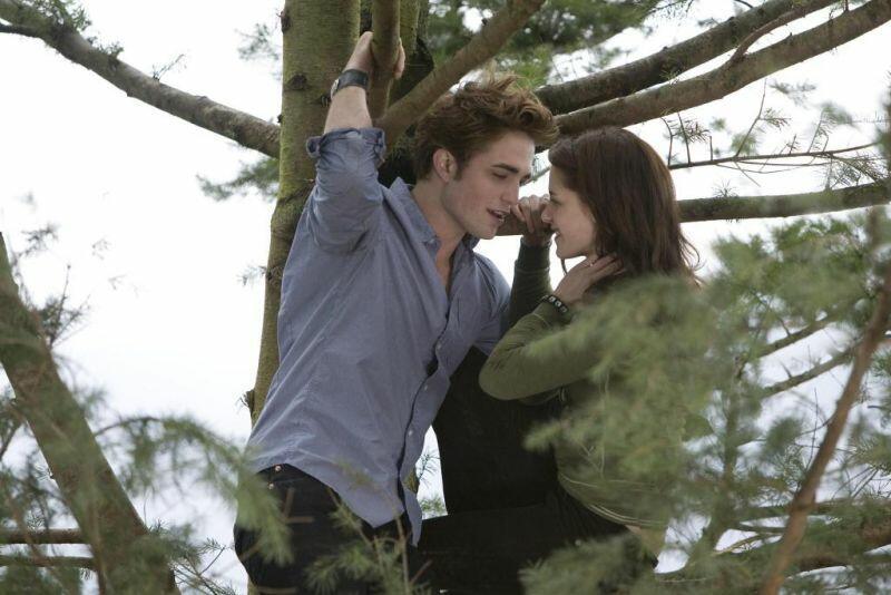 Twilight - Bis(s) zum Morgengrauen mit Kristen Stewart und Robert Pattinson