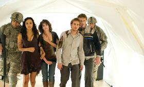 Cloverfield mit Lizzy Caplan, Mike Vogel und Jessica Lucas - Bild 14